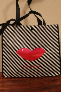Because I'm a VIP I got this super cute tote as a free gift.